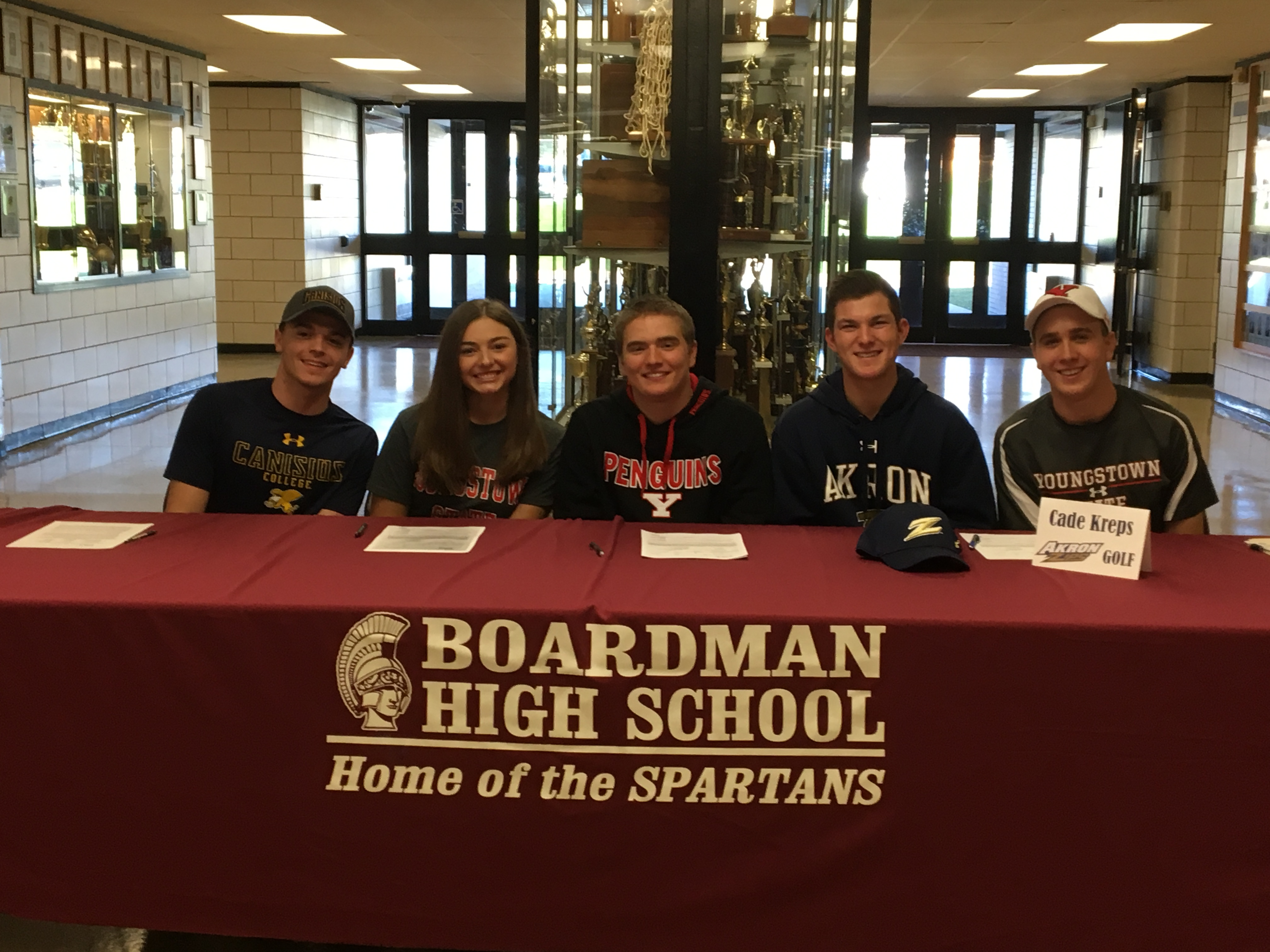 5 athletes at early signing